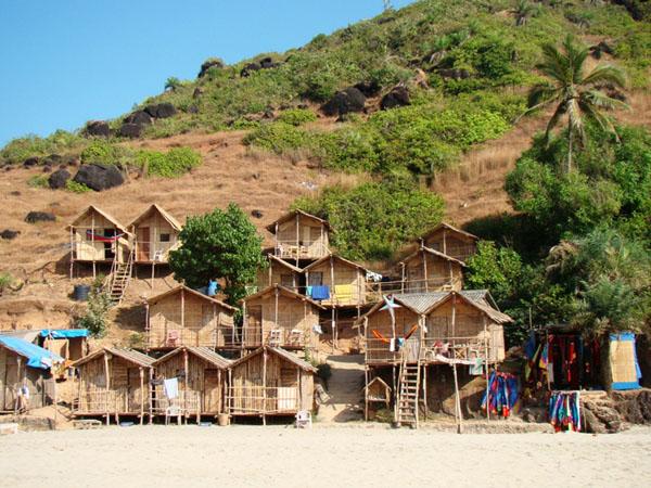 Домики на пляже Арамбола, Гоа / Фото из Индии