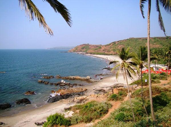 Вид на пляж Вагатор, Гоа / Фото из Индии