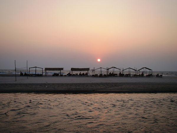 Вечером на пляже Мандрем / Фото из Индии