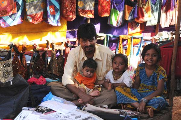Семья в Анджуне, Гоа / Фото из Индии