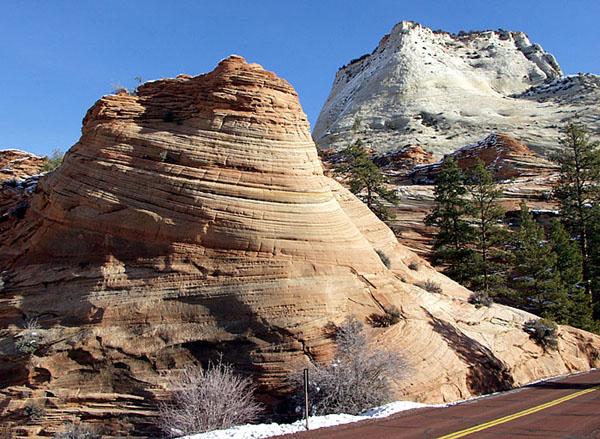 Завитки песчаника по дороге в национальный парк Zion, штат Юта / Фото из США