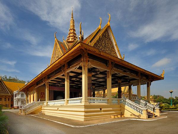 Королевский дворец в Пномпене / Фото из Камбоджи