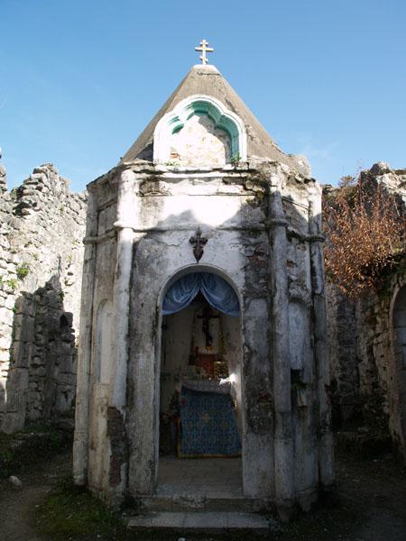 Церковь VIII века в Анакопийской крепости / Фото из Абхазии