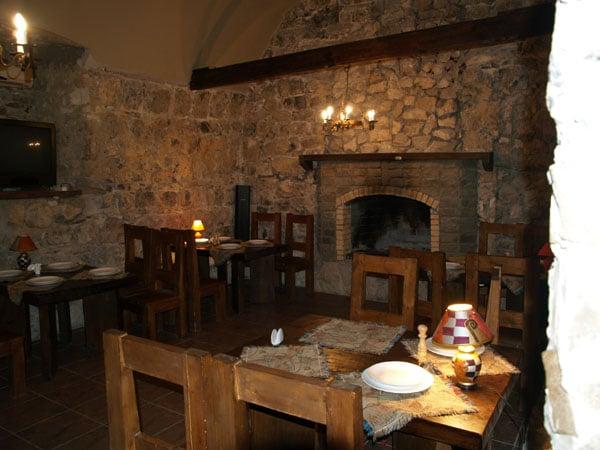 "Каминный зал ресторана ""Жоэквара"", Старая Гагра / Фото из Абхазии"