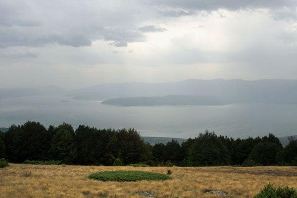 Вид на озеро Преспа / Фото из Македонии