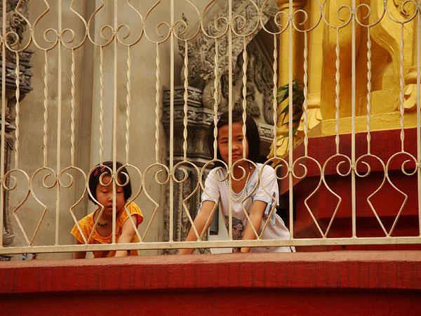 Юные жительницы Бирмы / Фото из Мьянмы