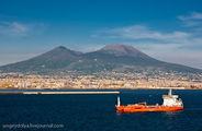 Вид на Везувий / Италия