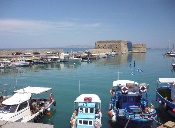 Средневековая крепость в Ираклионе / Фото из Греции