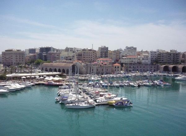 Вид на портовую часть Ираклиона / Фото из Греции