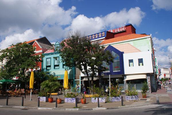 Разноцветные дома острова Кюрасао / Фото с Кюрасао
