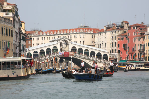 Мост Риальто в Венеции / Фото из Италии