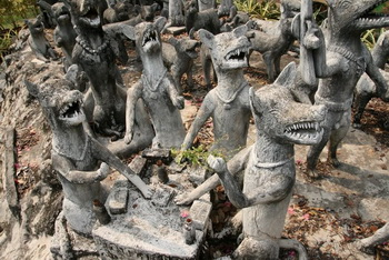 Парк религиозных скульптур ок.г. Нонг-Кхая / Таиланд