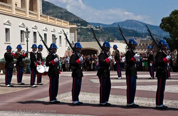 Княжеский дворец - официальная резиденция правящей семьи Монако / Фото из Монако