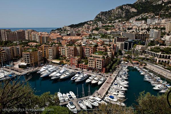 Вид на район Фонвьей, Монако / Фото из Монако