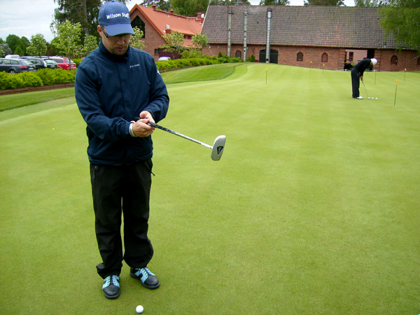 Инструкторы помогут познакомиться с игрой / Фото из Финляндии