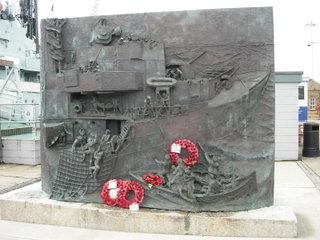Памятник в честь британских эсминцев / Великобритания