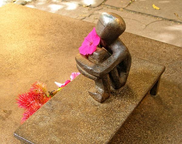 Самый маленький памятник в Стокгольме / Фото из Швеции