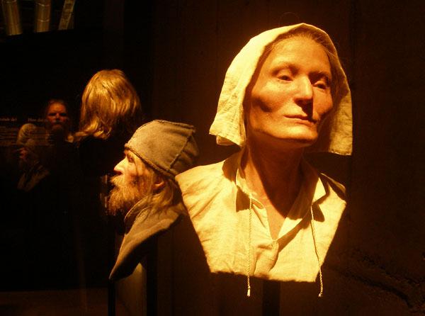 Одна из фигур - 25-летняя Берта, музей Vasa в Стокгольме / Фото из Швеции