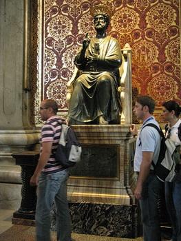 Скульптура Святого Петра / Ватикан