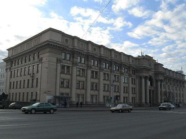 Проспект Независимости - главная магистраль в Минске / Фото из Белоруссии