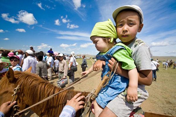 Монголы с юных лет в седле / Фото из Монголии