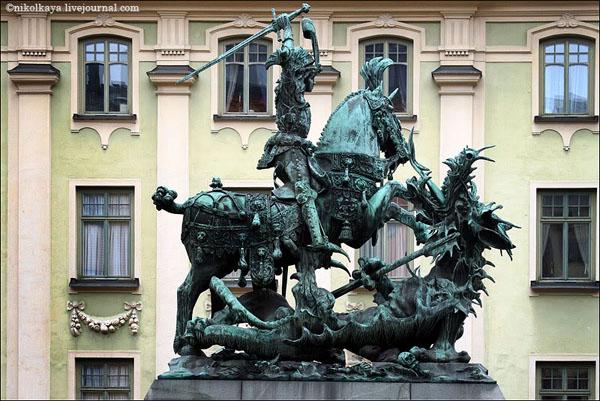 Памятник Святому Георгию в Стокгольме / Фото из Швеции
