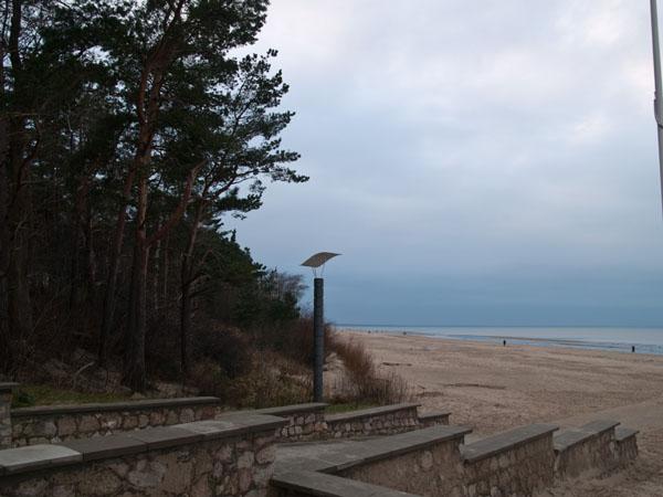 Выход на пляж в Дзинтари / Фото из Латвии