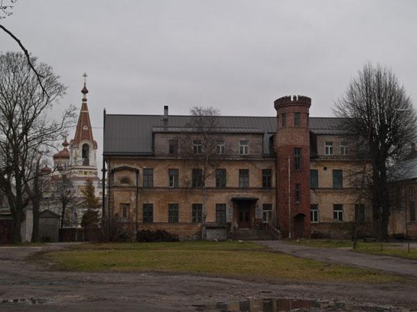 Кароста когда-то была царским гарнизоном / Фото из Латвии
