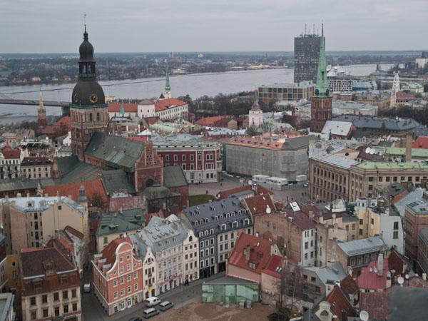 Вид на старую Ригу со смотровой площадки церкви Святого Петра / Фото из Латвии