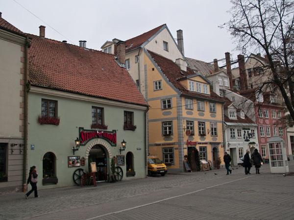 Отличные ресторанчики в центре Риги сегодня пустуют / Фото из Латвии