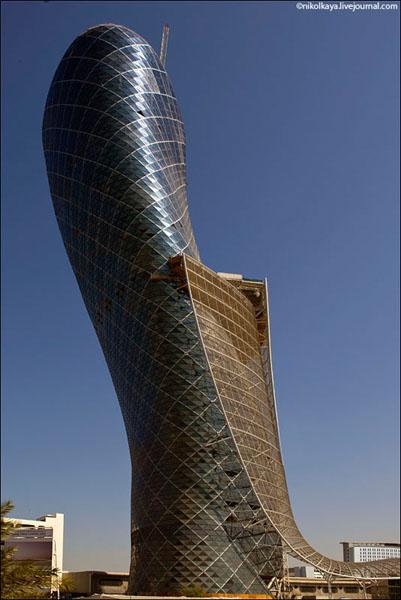 Чудеса современной архитектуры в Абу-Даби, ОАЭ / Фото из Бахрейна