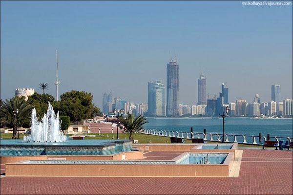 Абу-Даби - столица ОАЭ / Фото из Бахрейна