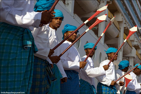 Торжественный прием гостей в Омане / Фото из Бахрейна