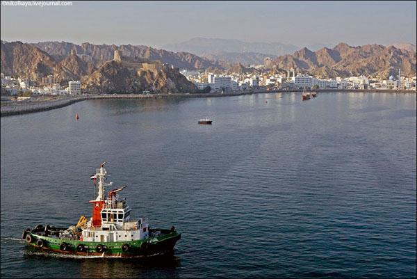 Бухта Маската, Оман / Фото из Бахрейна