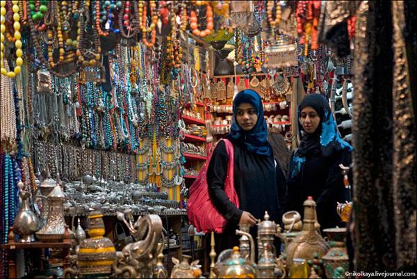 Колоритный восточный базар, Маскат / Фото из Бахрейна