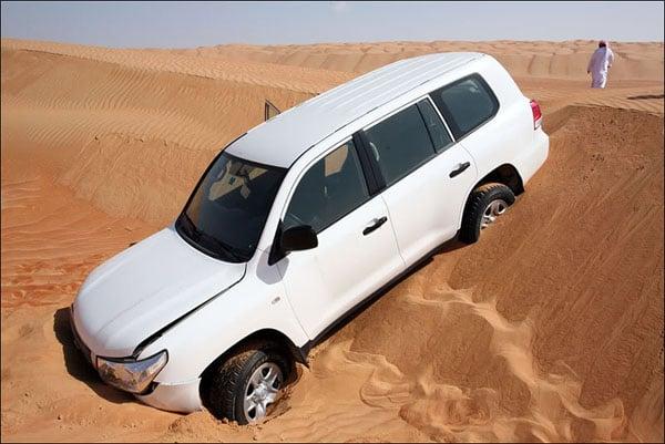 Авария в пустыне, Оман / Фото из Бахрейна
