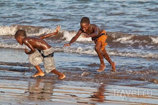На Гамбоа-Бич в Прае, Кабо-Верде / Фото из Кабо-Верде