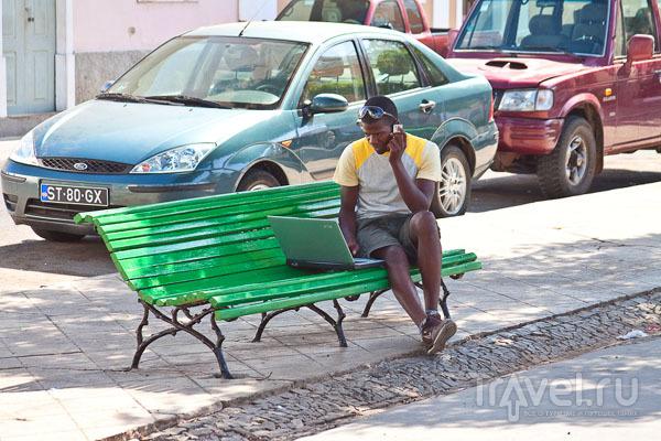 """На """"цифровой площади"""" в центре Праи, Кабо-Верде / Фото из Кабо-Верде"""