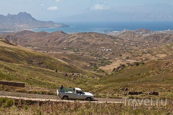 На горизонте виден остров Санту-Антан, Кабо-Верде / Фото из Кабо-Верде