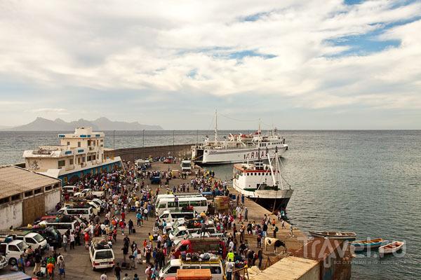Морской вокзал Порту-Нова на острове Санту-Антан, Кабо-Верде / Фото из Кабо-Верде
