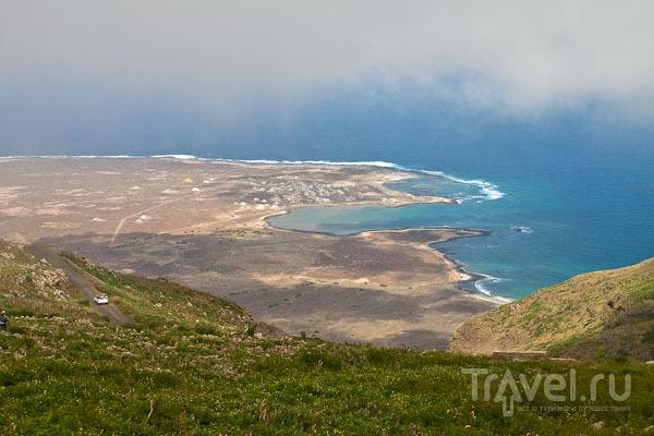 Вид с Зеленой горы - высочайшей точки острова Сан-Висенте / Фото из Кабо-Верде
