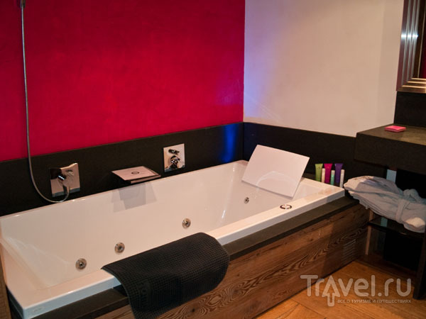 Ванная с джакузи, отель Les Suites du Nevada / Фото из Франции