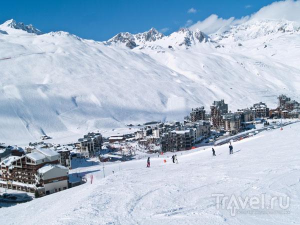 Спуститься с горы можно прямо к дверям гостиницы / Фото из Франции