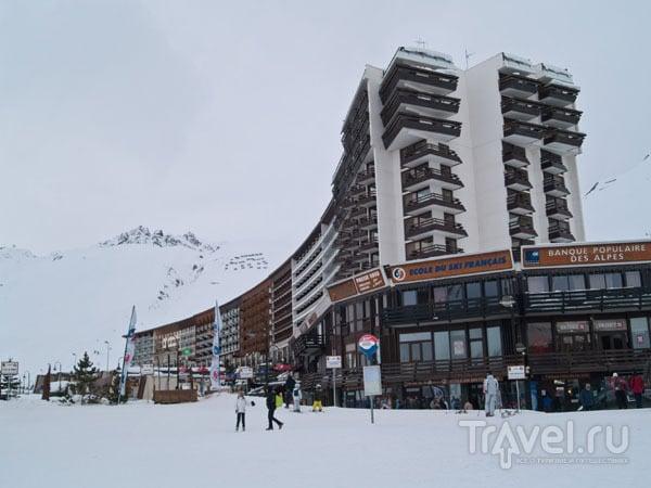 Отели, рестораны и магазины в Ле-Лак, Тинь / Фото из Франции