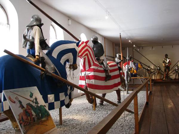 Галерея оружия в замке Амбрас, Инсбрук / Фото из Австрии