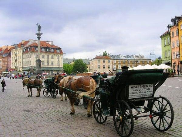 Прогулка по Замковой площади, Варшава / Фото из Польши