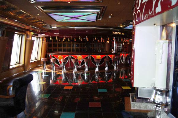 Один из залов лайнера Carnival Glory / Фото из Мексики