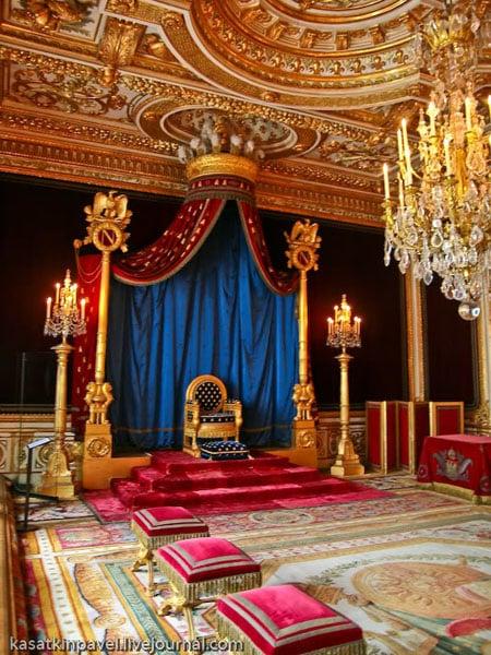 Трон Наполеона Бонапарта во дворце Фонтенбло / Фото из Франции