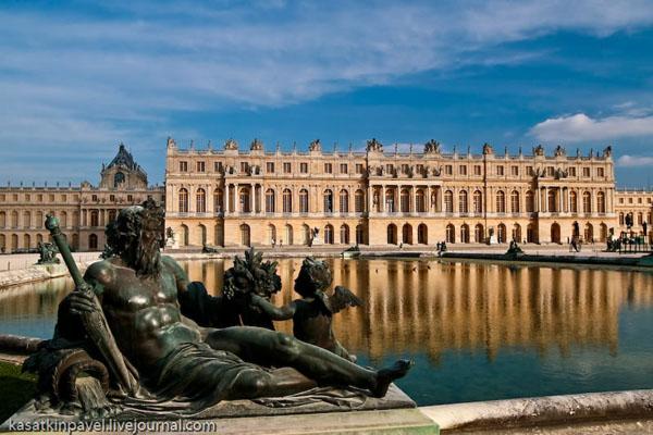 Версальский дворец - популярнейшая достопримечательность Франции / Фото из Франции