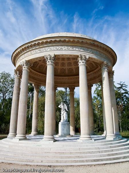 Парк Версальского дворца - один из самых больших в Европе / Фото из Франции